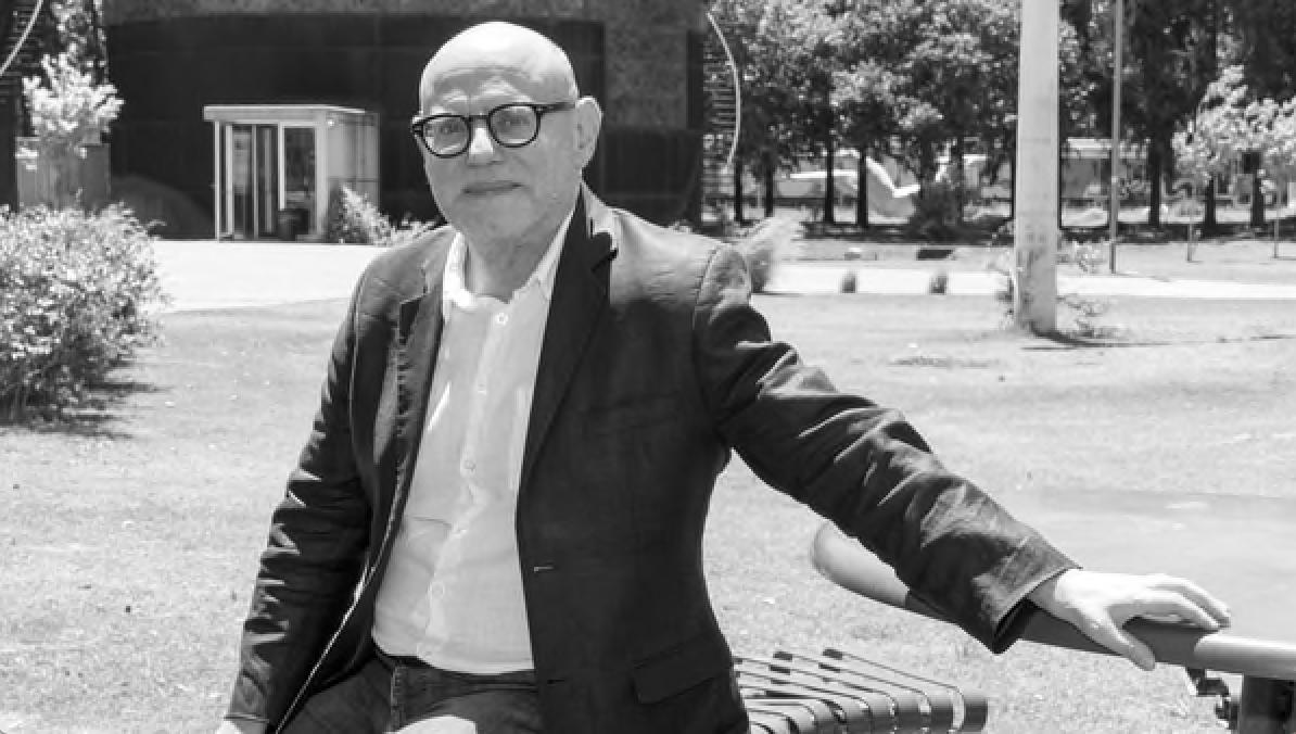 """Enzo Traverso: """"En el siglo XX no sólo hubo totalitarismos y genocidios,  sino también revoluciones"""" - UninomadaSUR"""